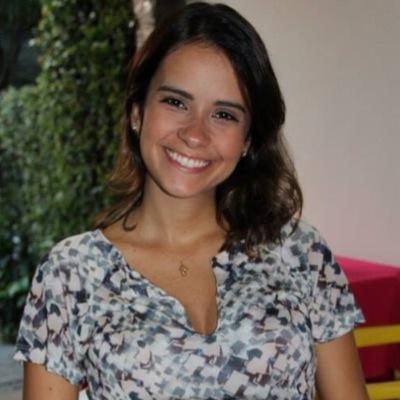 Carol Simões | Social Profile