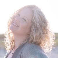 Amy Van Dyke   Social Profile