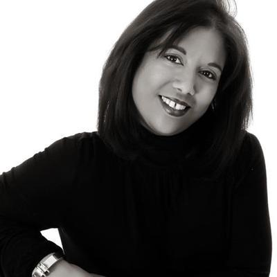 Vannessa@Luxuria | Social Profile