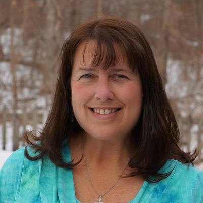 EileenHull | Social Profile