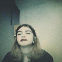 Heather Rose | Social Profile