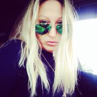 Lauren W-L | Social Profile