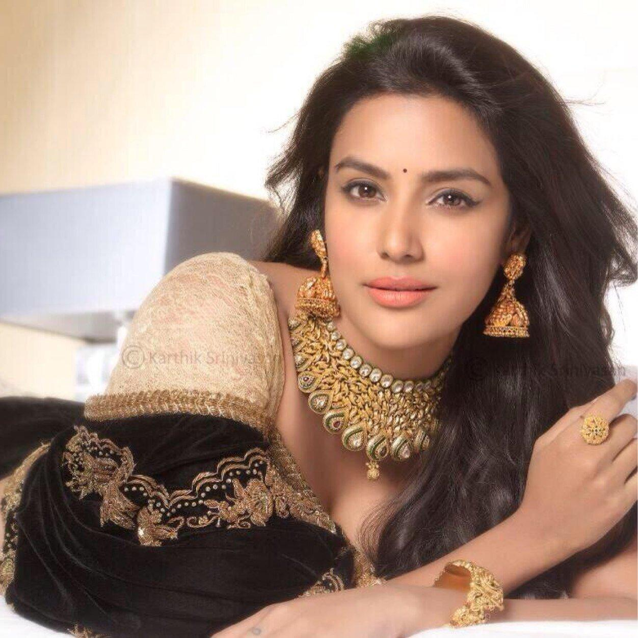 Follow Priya Anand FC Twitter Profile