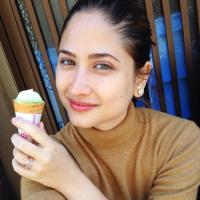 Alexandra Rocha | Social Profile
