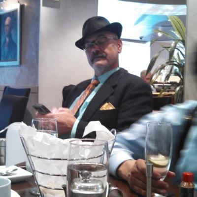 Ronnie Streff | Social Profile