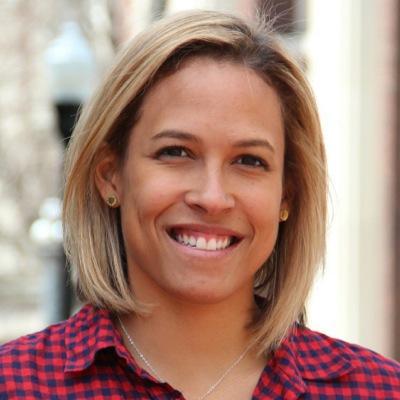 Jessica Hollins | Social Profile