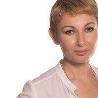Nadia   Social Profile