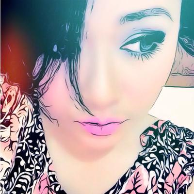 Melly Zamri | Social Profile