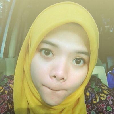 Novia Indah P Social Profile