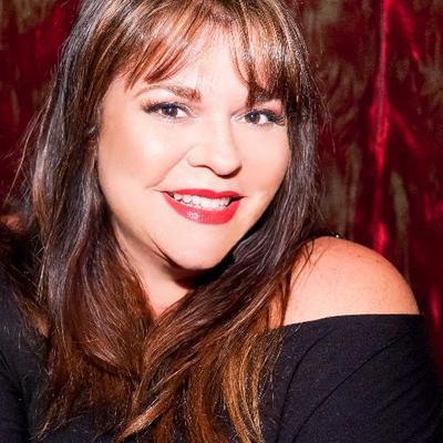 Jennifer Lyneis ツ | Social Profile