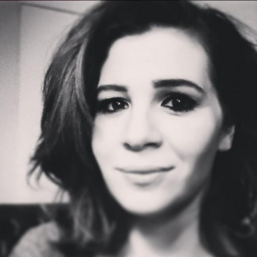 Aylin Kontente  Twitter Hesabı Profil Fotoğrafı