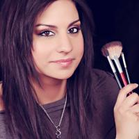 Makeup By Amberine | Social Profile