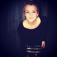 Laura Avey | Social Profile