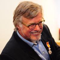 Hans JC van Veen | Social Profile