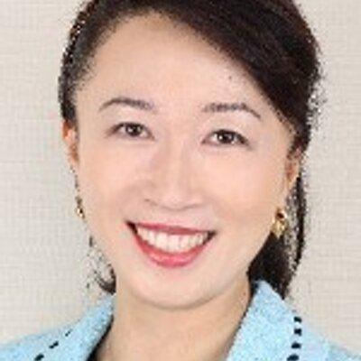 マダム・ホー  Grace Ho | Social Profile