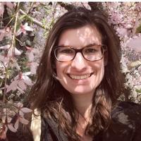 Laura Deal | Social Profile