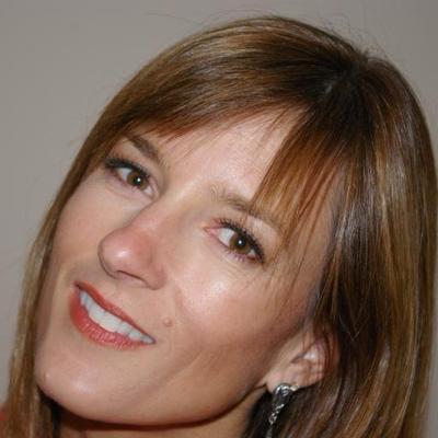 Leigh Harris | Social Profile