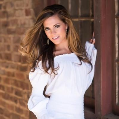 Shauna | Social Profile