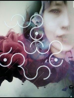 입속의 검은 잎 Social Profile