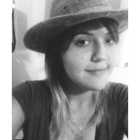 Priscila Peixoto | Social Profile