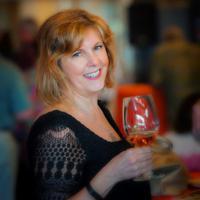 Shona Milne | Social Profile