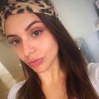 Sthephany De Faveri | Social Profile
