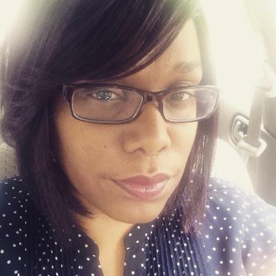 Miss Mox | Social Profile