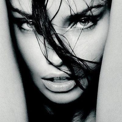 Adriana Lima | Social Profile