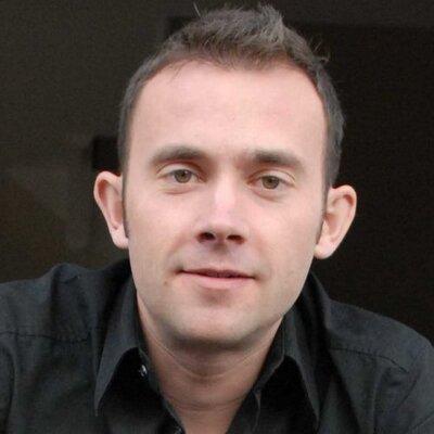 Simon Perry | Social Profile
