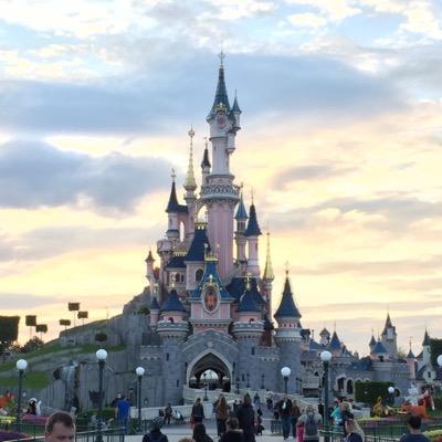 Disneyland Doc | Social Profile