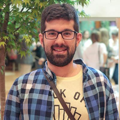 Alejandro Iglesias | Social Profile