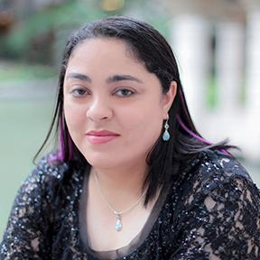 Rayna Vause | Social Profile