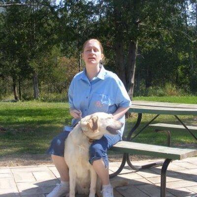 Vicki Andrada   Social Profile