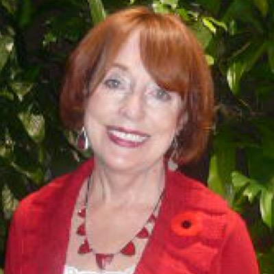 Elizabeth Smayda | Social Profile