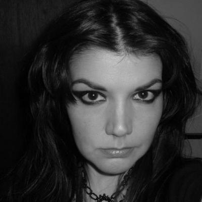 Leslie  | Social Profile