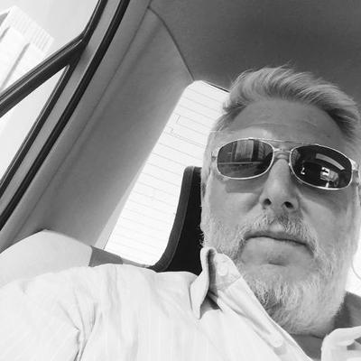 Peter Schloss   Social Profile