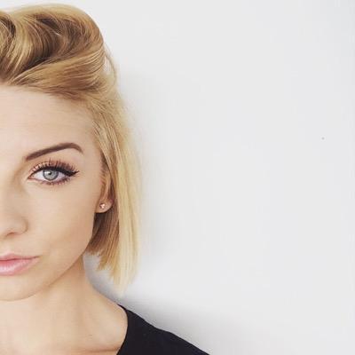 Alexis Bogobowicz | Social Profile