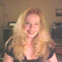 Suzanne / ByDezin | Social Profile