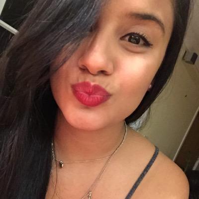 Jessenia | Social Profile