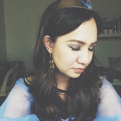 Nicole Borro | Social Profile