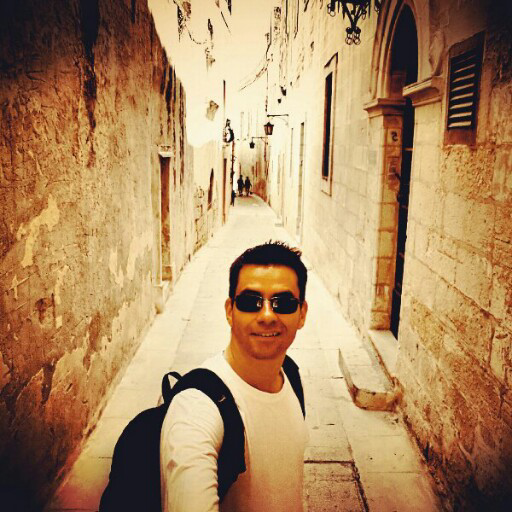Еmil Social Profile