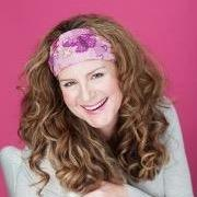 Lora Sasiela | Social Profile