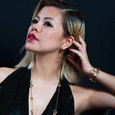 Crystal Phuong | Social Profile
