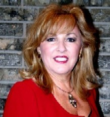 Kelli de Sante' Social Profile