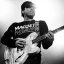 Photo of tomdelonge's Twitter profile avatar