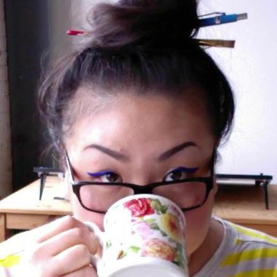 Zoe Hong | Social Profile