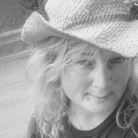 Lesa callihan | Social Profile
