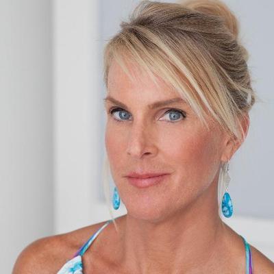Elin Hilderbrand | Social Profile