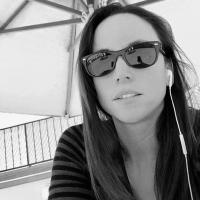 Christina Gomes | Social Profile