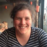 Elien Vanhaesebroeck   Social Profile